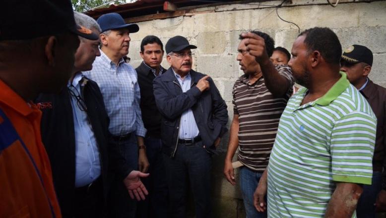 SANTIAGO: Presidente Medina visita comunidades afectadas por lluvias