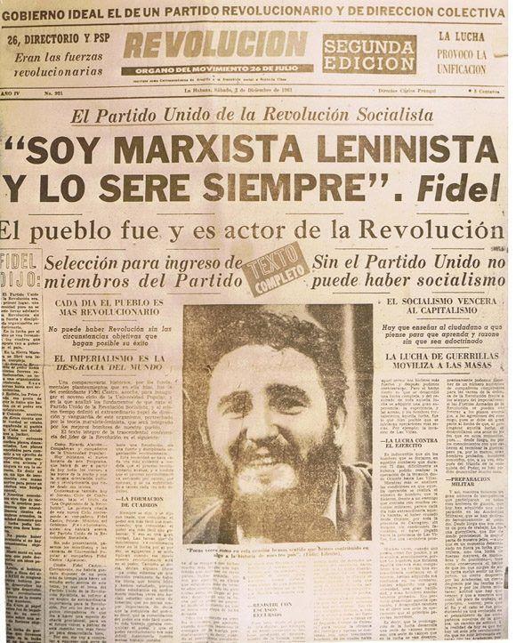 """""""Soy marxista leninista y lo seré siempre"""", asegura Fidel en esta página del periódico Revolución, órgano del Movimiento 26 de julio. Foto: Archivo."""