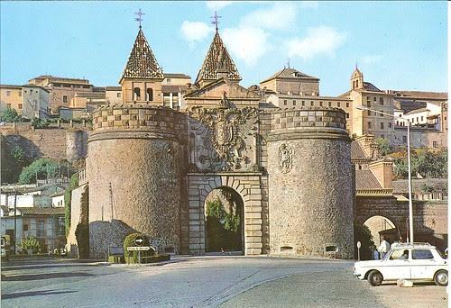 Puerta de Bisagra en los años 70