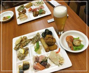 刺し身とお寿司はあっという間に消え去った夕食ブッフェ