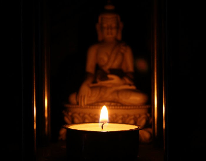 Tealight with Buddha...