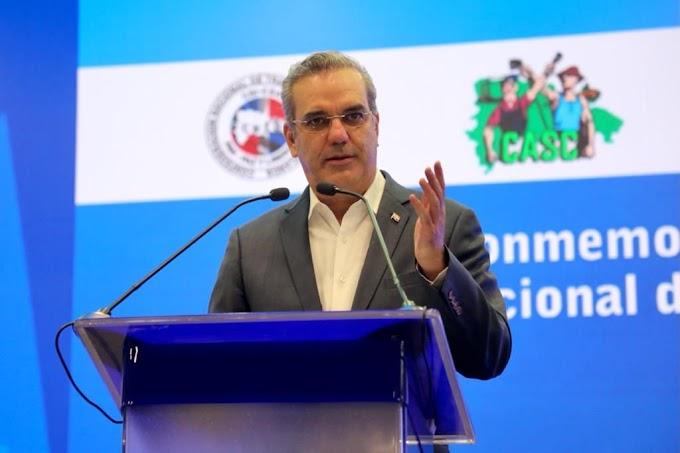 ABINADER PROMETE «INCENTIVAR» AL SECTOR PRIVADO A INCREMENTAR LOS SALARIOS