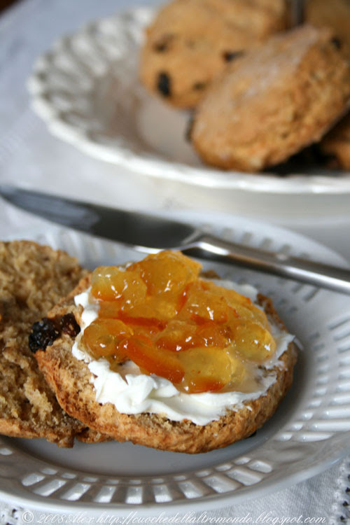 Scones and marmelade