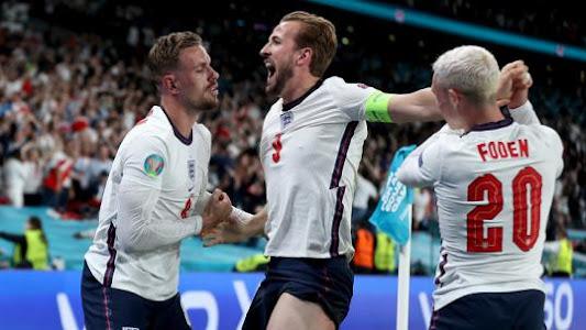 Hasil Euro 2020 Inggris vs Denmark: Kontroversial, Inggris ke Final - INDOSPORT