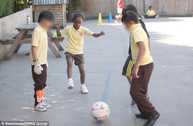 Aaliyah dice che lei ama particolarmente il lato sociale di essere in squadra di football della sua scuola