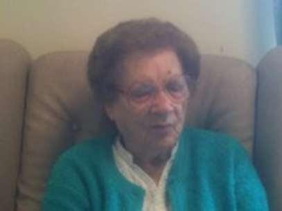 A idosa sofre da síndrome de Charles Bonnet, uma condição causada por uma doença nos olhos e não problemas psiquiátricos Foto: BBCBrasil.com