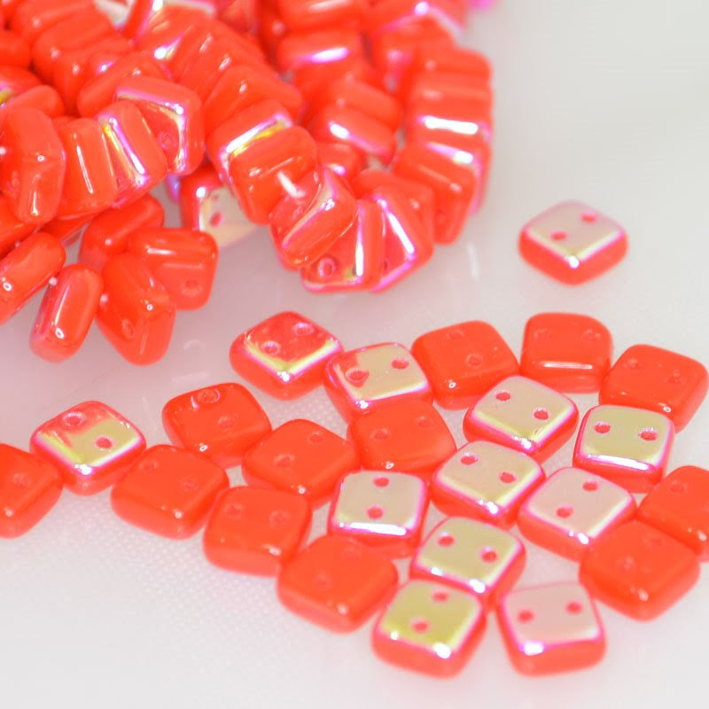 s41908 Glass Beads - 2 Hole Chexx Squarelets - Orange Coral AB (25)