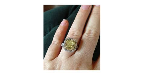 See Kelly Clarkson's Whopping Yellow Diamond Engagement