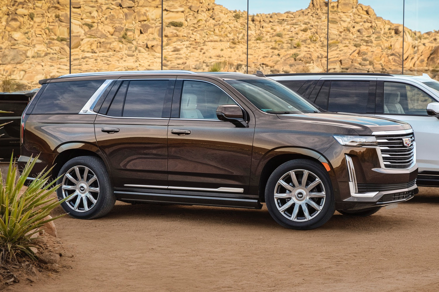 2021 cadillac escalade onyx package features gray cadillac