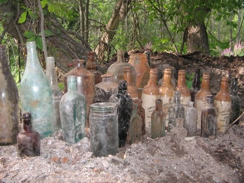 very good dump digger, antique bottles, stoneware, pottery, medicine,early Canadian glass