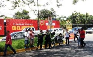 Policía Municipal en los alrededores del Estadio Nacional. Foto CRH.