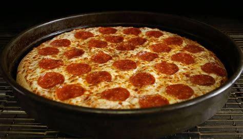 Muslim Man Sues Little Caesar?s Over ?Halal? Pepperoni Pizza