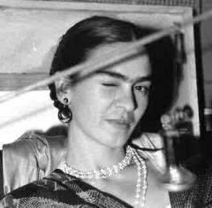 Fotografia di Lucienne Bloch, Frida che fa l'occhiolino, New York, 1933