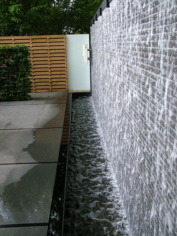 Impressive Wall Water Features 600 x 800 · 125 kB · jpeg