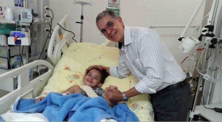 Resultado de imagem para Menina de 6 anos consegue cirurgia para retirar tumor raro