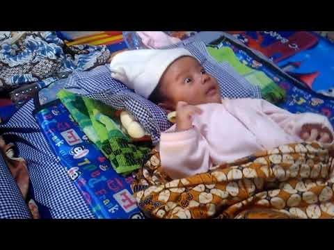 Najwa dan Rafi berjemur di pagi hari