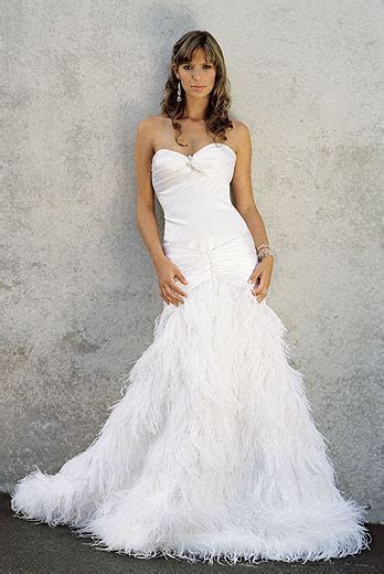 Dawn J's fashion wedding gown: September 2012