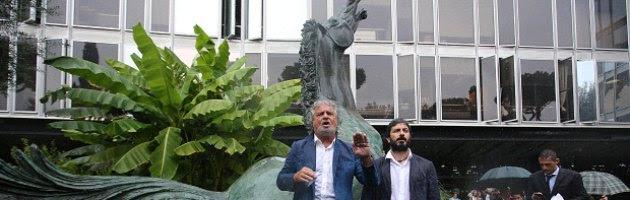 """Grillo vs Letta: """"Falsità sul Porcellum"""" e il premier: """"E' lui che mente"""""""