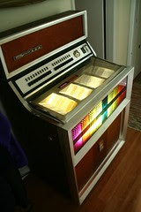 Seeburg 45 rpm 100-selection jukebox