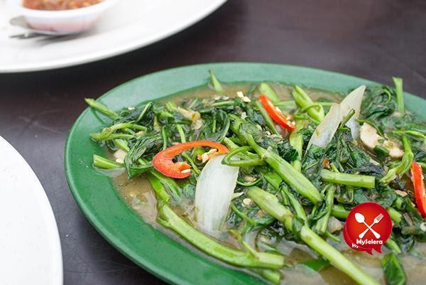Kangkung Masak Belacan di Restoran bisik bisik shah alam