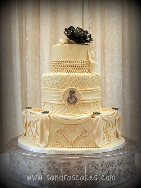 Stunning Vintage Wedding Cake