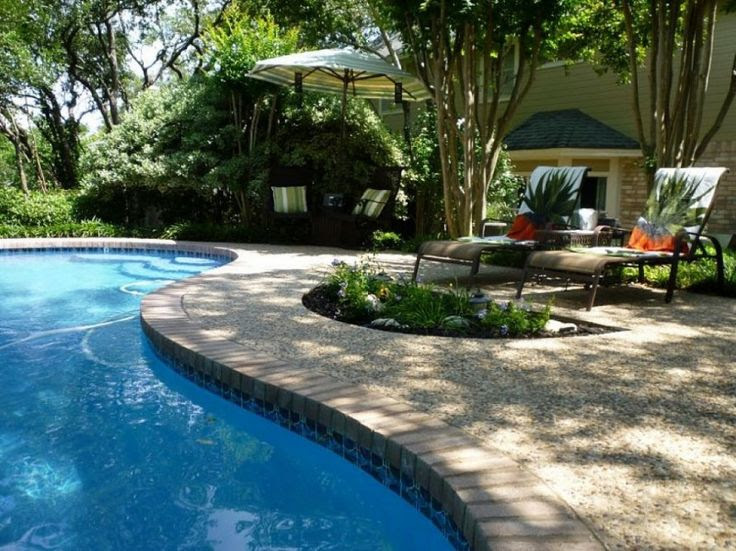 Swimming Pool Design Ideas for Small Yards