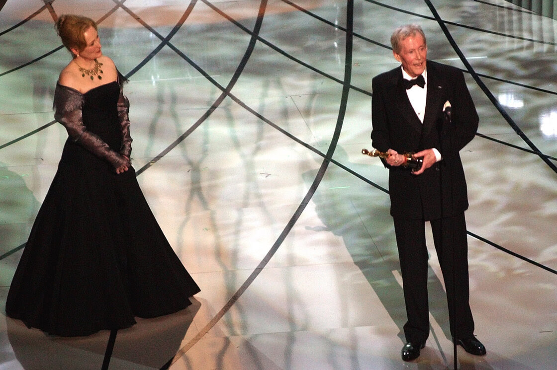 O'Toole receives an honorary Oscar at the 75th Academy Awards, presented by actress Meryl Streep, in March 2003.