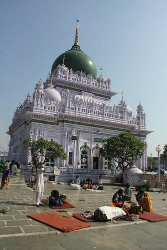 Dargah of Hazrat Waris Ali Shah, Dewa Sharif, Barabanki by firoze shakir photographerno1