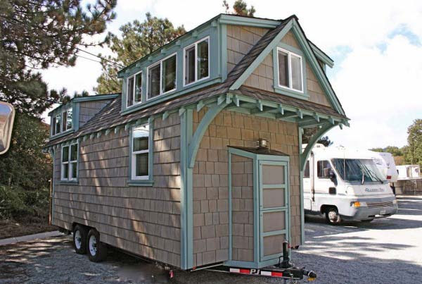 craftsman-bungalow-on-wheels-8