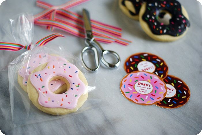 donuts with kami pink choc with tags photo donutswithKamipinkandchoctags.jpg