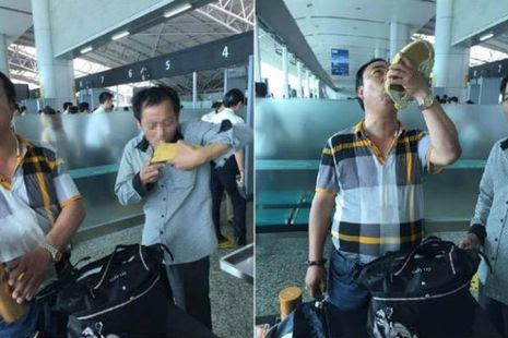 Dasar China, 2 turis ini tenggak habis alkohol selundupan di bandara !