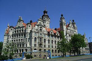 Deutsch: Dieses Bild zeigt das Neue Rathaus in...