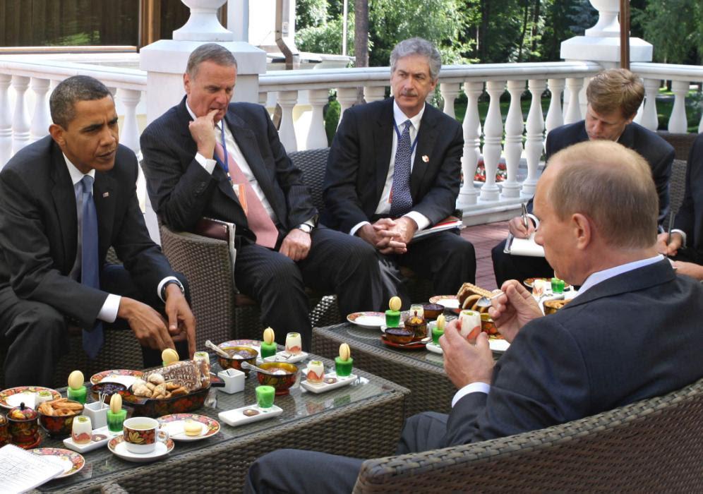 Hình ảnh Obama - Putin: Những khoảnh khắc lúng túng khi chạm mặt số 10