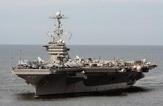 USS George Washington , tem dez brasileiros que trabalham e vivem a bordo