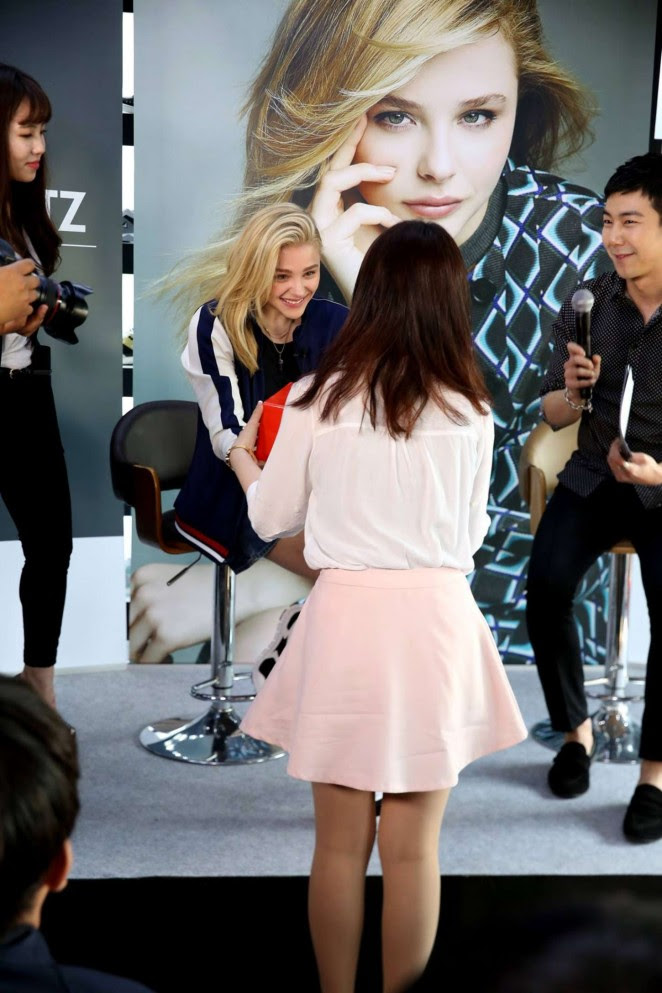 Chloe Moretz: Meet and Greet at Sbenu -08