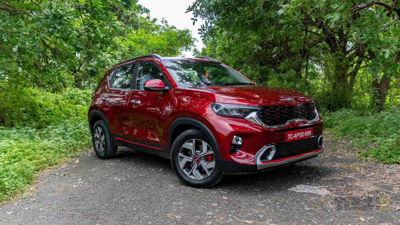 At the lower end, the Kushaq will have to face competition from well-equipped compact SUVs such as the Kia Sonet, Hyundai Venue and Mahindra XUV300. Image: Tech2/ Tushar Burman