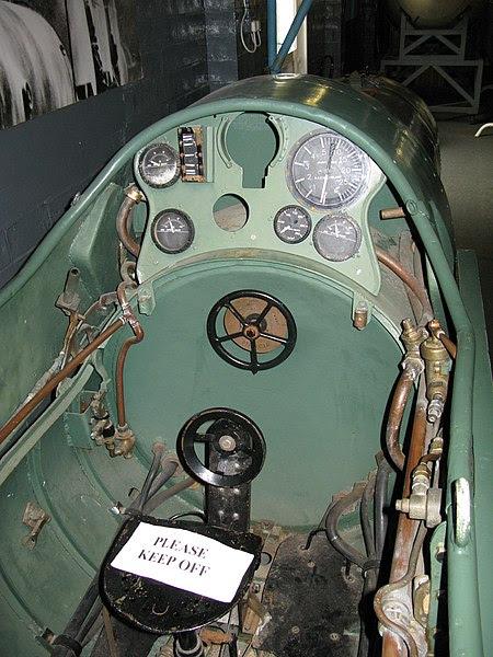 File:Maiale cockpit.jpg