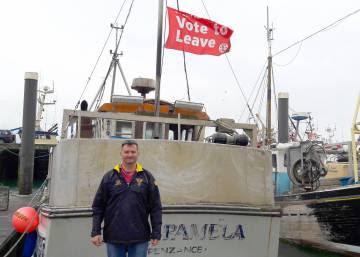Los pescadores británicos enarbolan la bandera del 'Brexit'