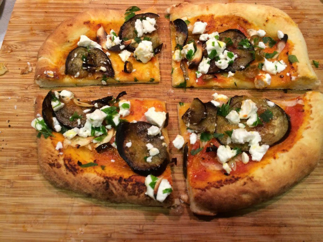 Resultado de imagen de pizza de berenjena con queso feta