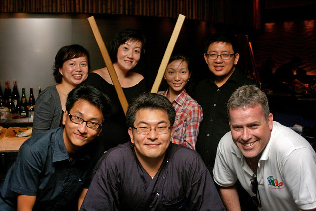 Group photo with chef Iwagami Yoshiaki (bottom, centre)