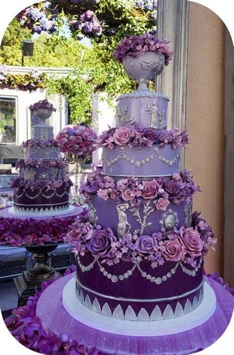 goodbyecityhellosuburbs: Elegant Wedding Cakes 2015