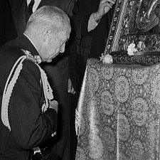 Αποτέλεσμα εικόνας για Βασιλεύς Παύλος σε προσκύνημα