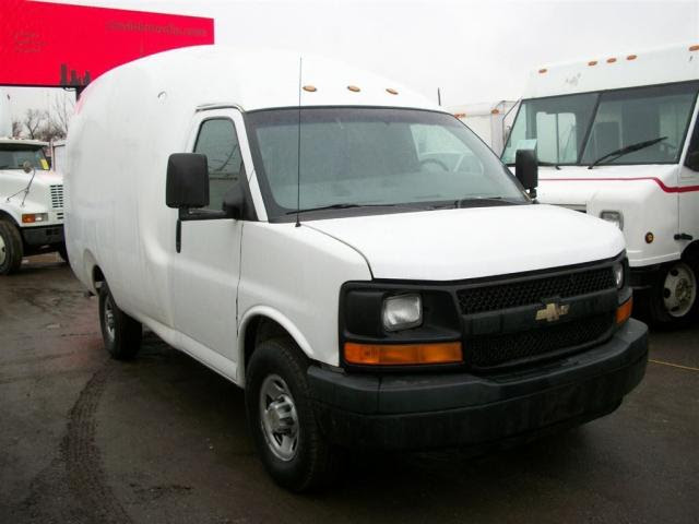 Used 2005 Chevrolet Express 3500 Bubble Van 11 Ft Single