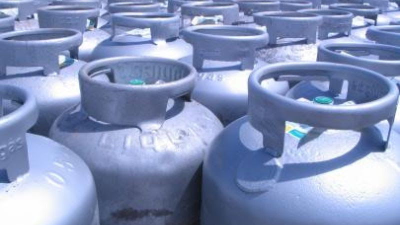 Resultado de imagem para Petrobras anuncia reajuste médio de 6,9% do gás de cozinha