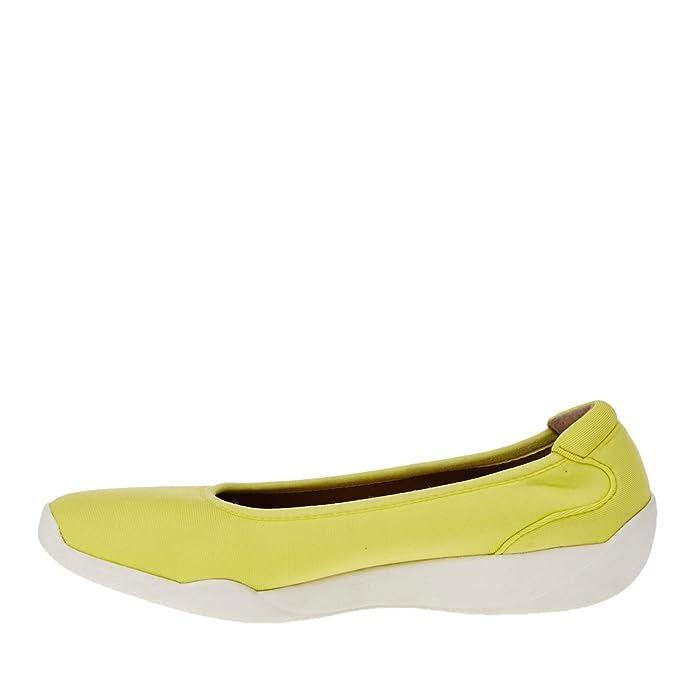 FootSmart Stretchies Joyce Slip-On Shoes : Amazon.com