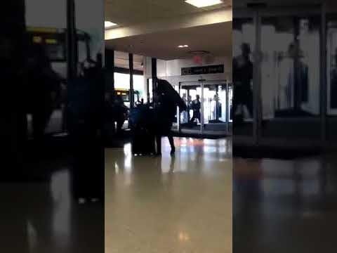 Lol. Woman tries to board plane with her peacock but gets denied (Photos/Video)