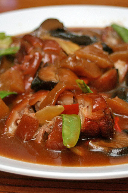 Braised Pig Trotters with Sea Cucumber