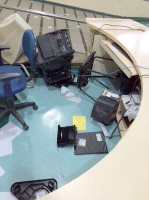 Casal quebrou impressora e computador da Santa Casa de Limeira (Foto: Arquivo pessoal)