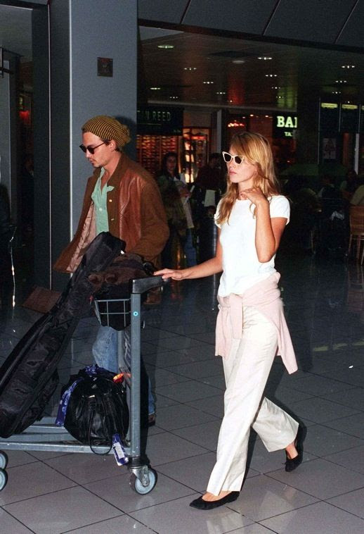 LE FASHION BLOG JOHNNY DEPP KATE MOSS JOHNNY AND KATE INSPIRATION WHITE BASIC TEE TSHIRT PINK CARDIGAN WRAP WAIST WIDE KHAKI PANTS BLACK FLATS WHITE CAT EYE SUNGLASSES BEANIE LEATHER JACKET 3