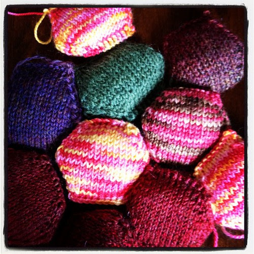 #knitting some #hexipuffs